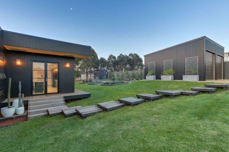 metung- backyard and garden