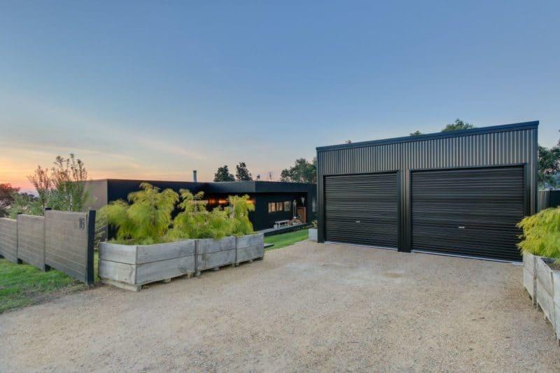 metung garage